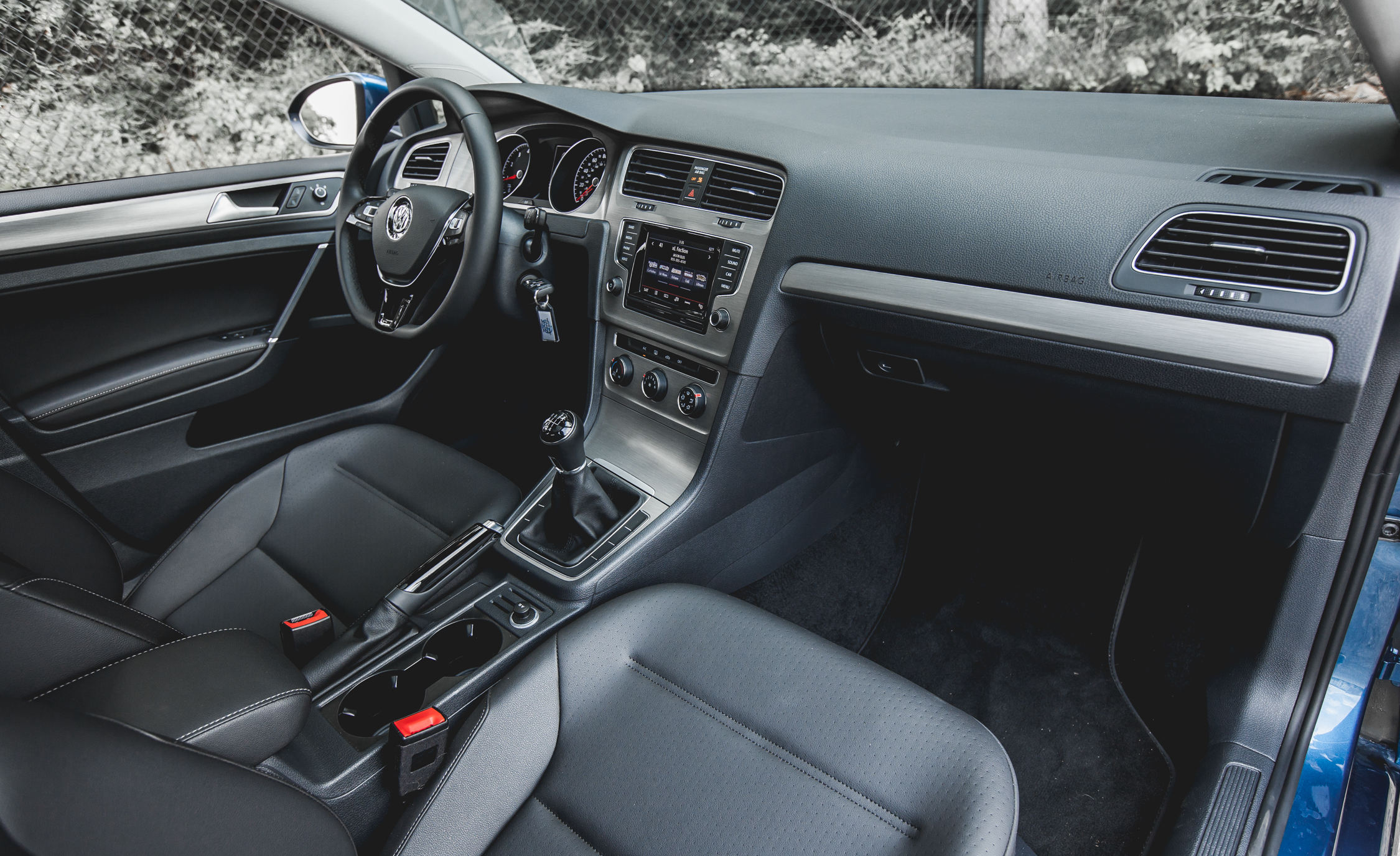 2015 Volkswagen Golf TSI Interior Dashboard