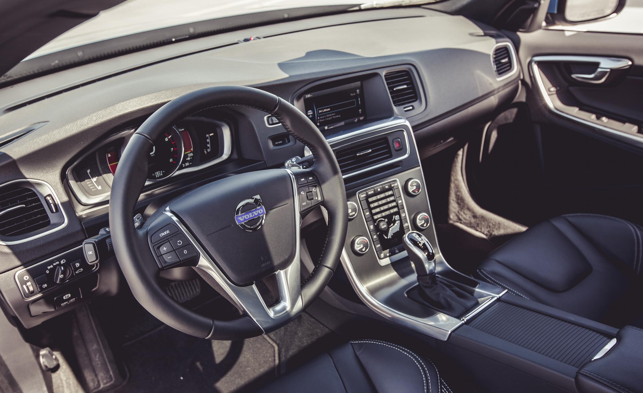2015 Volvo V60 Interior Front