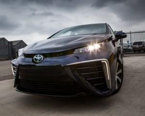 Exterior Front Toyota Mirai 2016