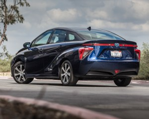 Preview Rear Side Toyota Mirai 2016