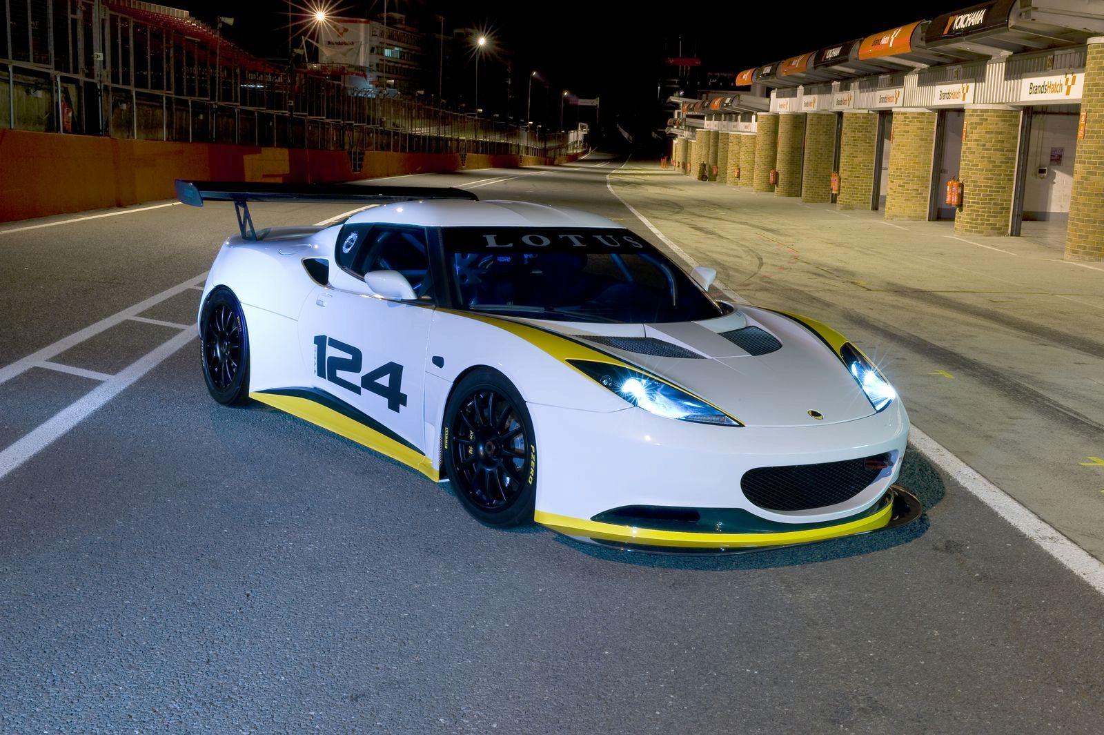Race Car: 2010 Lotus Evora GT4
