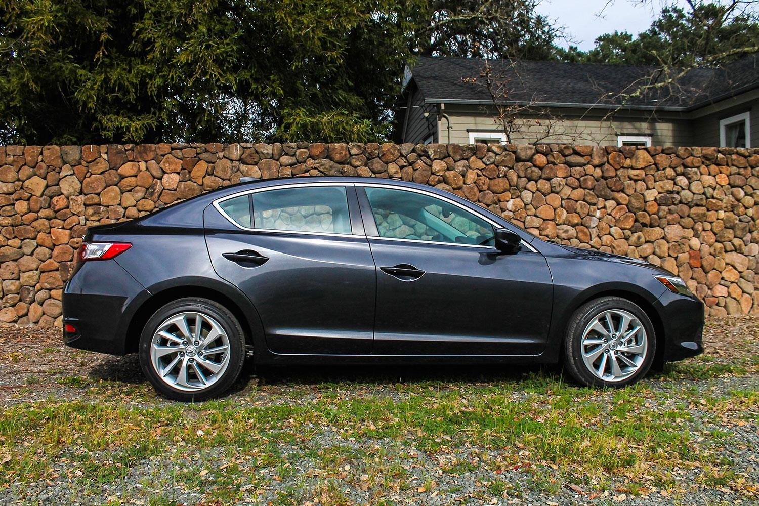 Side Profile: 2016 Acura ILX