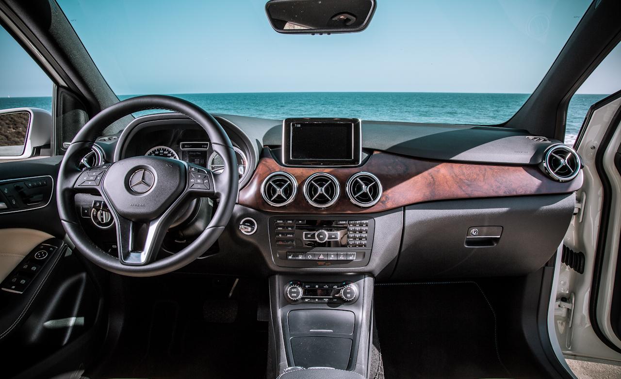 2014 Mercedes-Benz B-Class Interior Dashboard