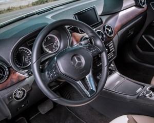 2014 Mercedes-Benz B-Class Interior Steering and Speedometer
