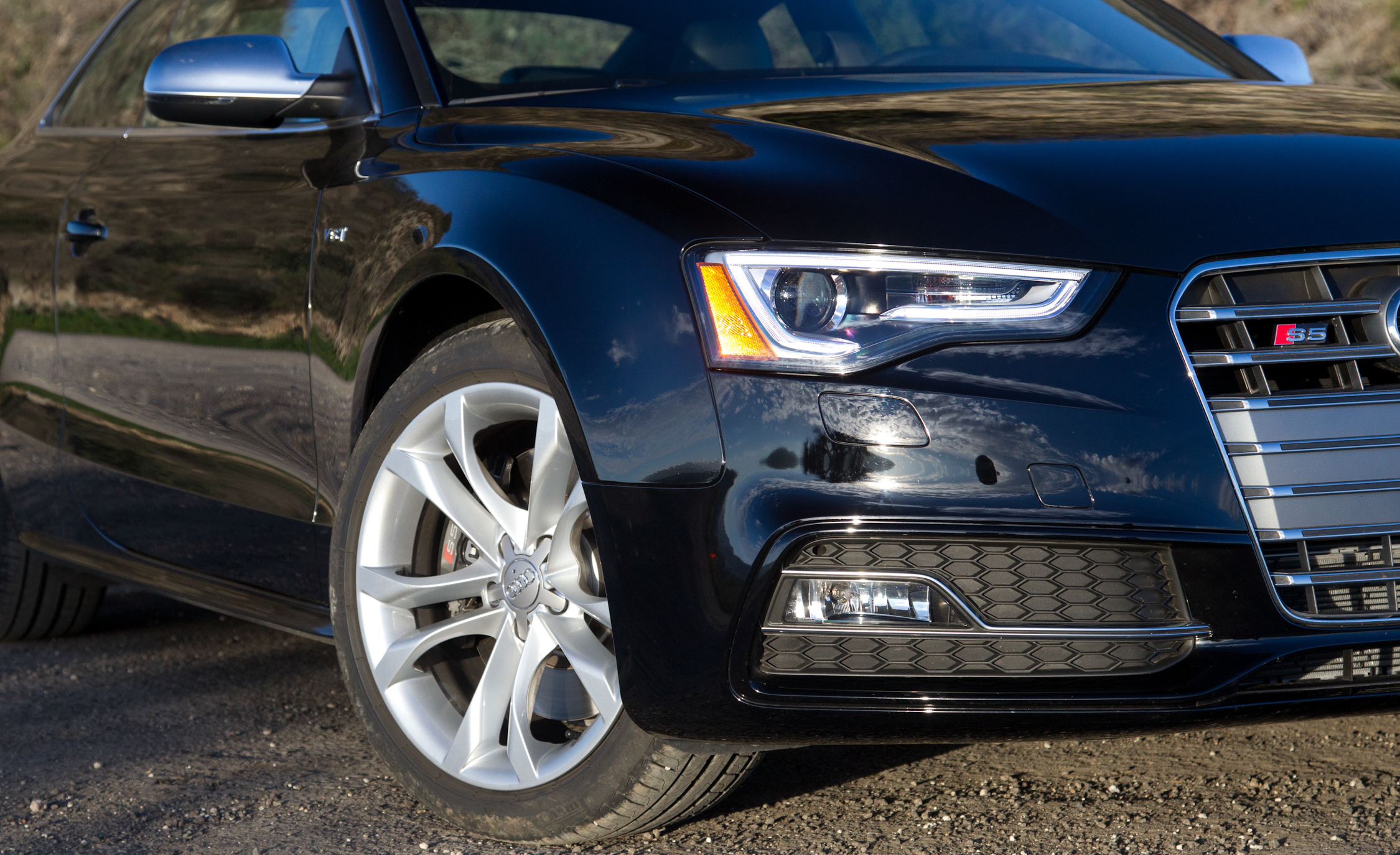 2015 Audi S5 Headlamp and Wheel