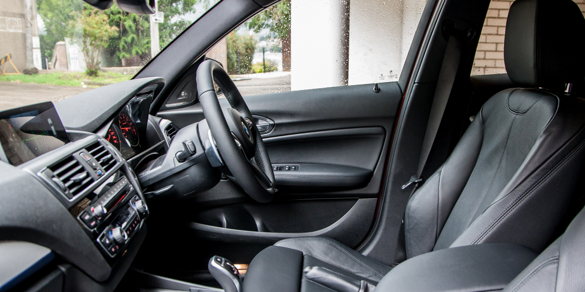 2015 BMW 125i Cockpit Seat Interior