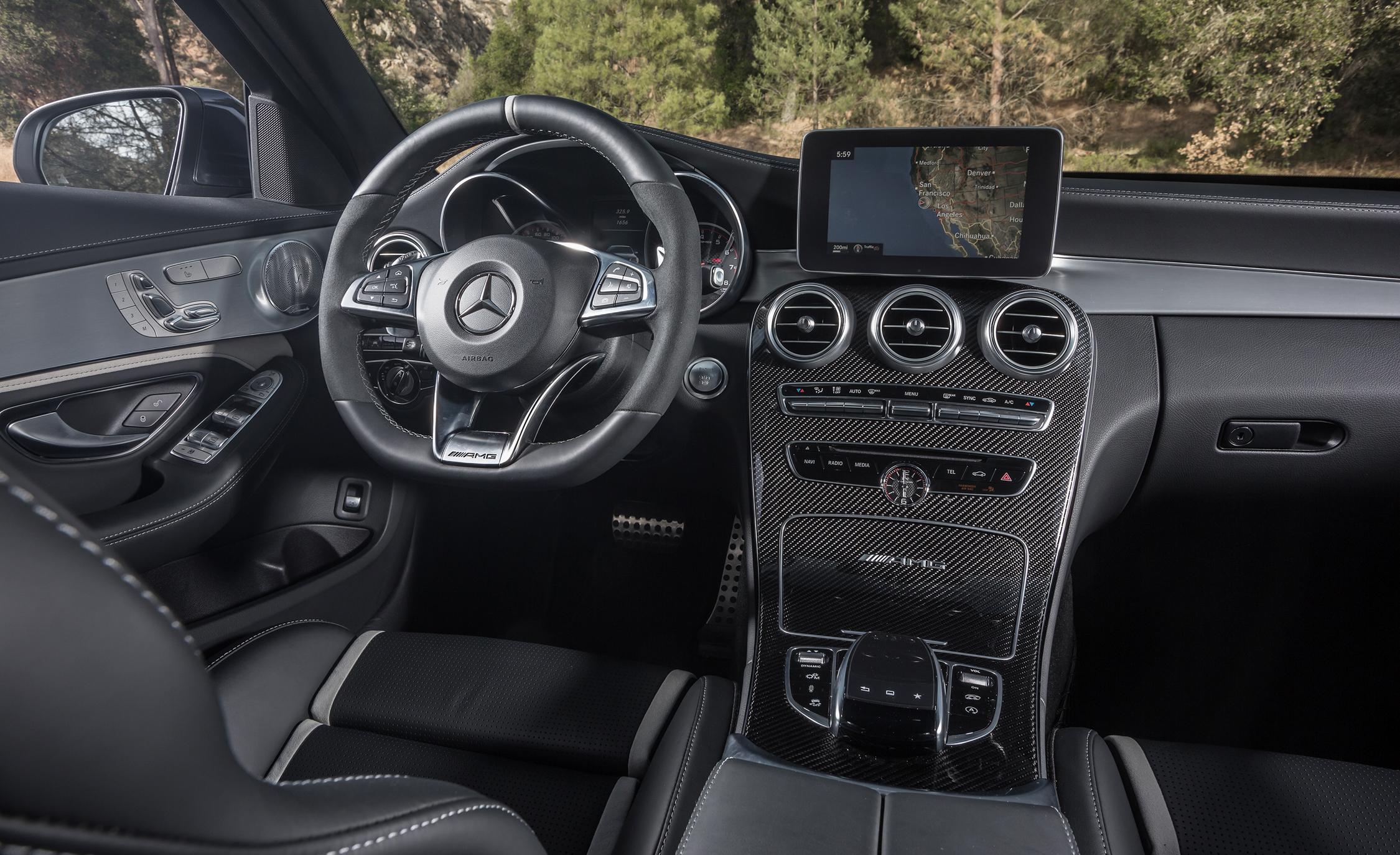 2015 Mercedes-AMG C63 S-Model Cockpit and Dashboard