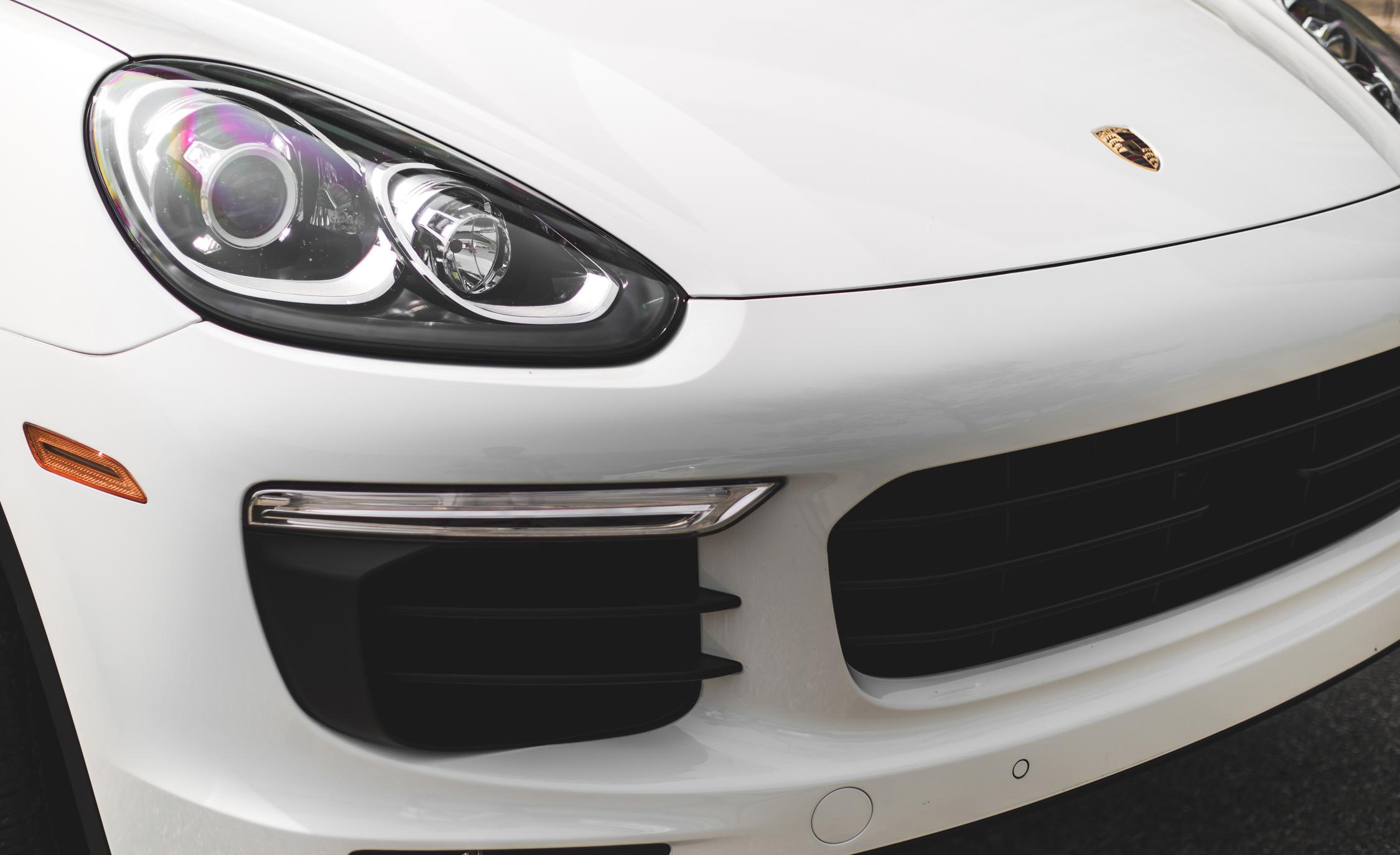 2015 Porsche Cayenne S E-Hybrid Exterior Right Headlamp