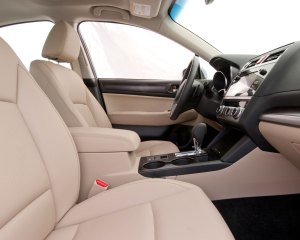 2015 Subaru Legacy 2.5i Limited PZEV Interior Preview