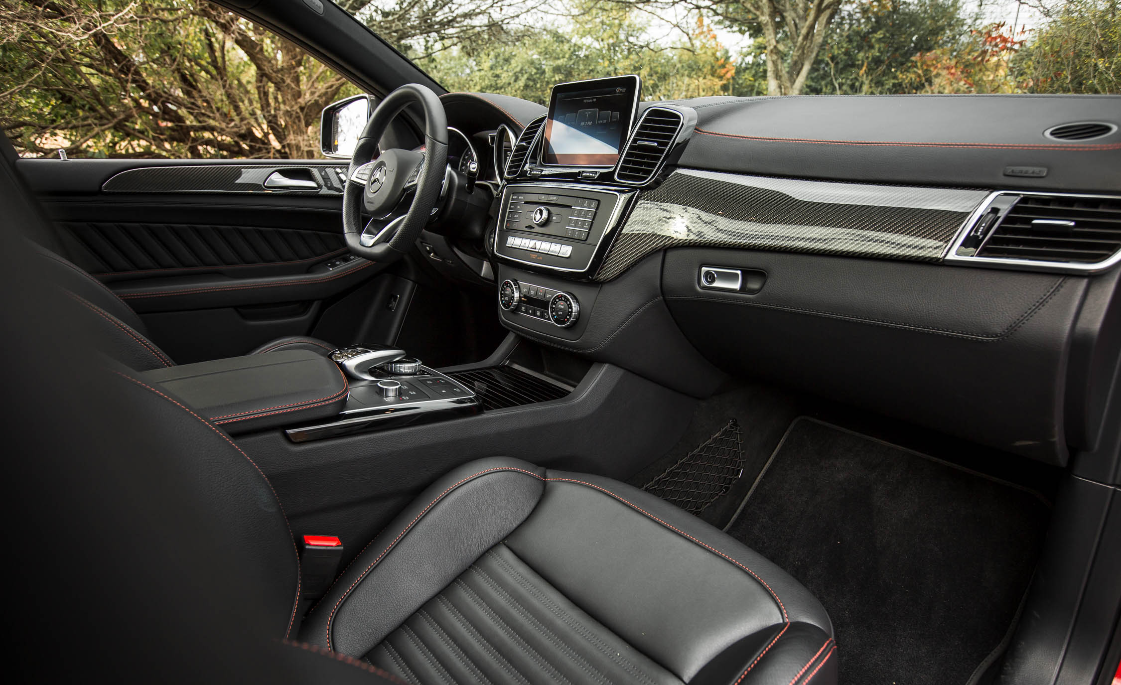 2016 Mercedes-Benz GLE450 AMG Coupe Interior Preview