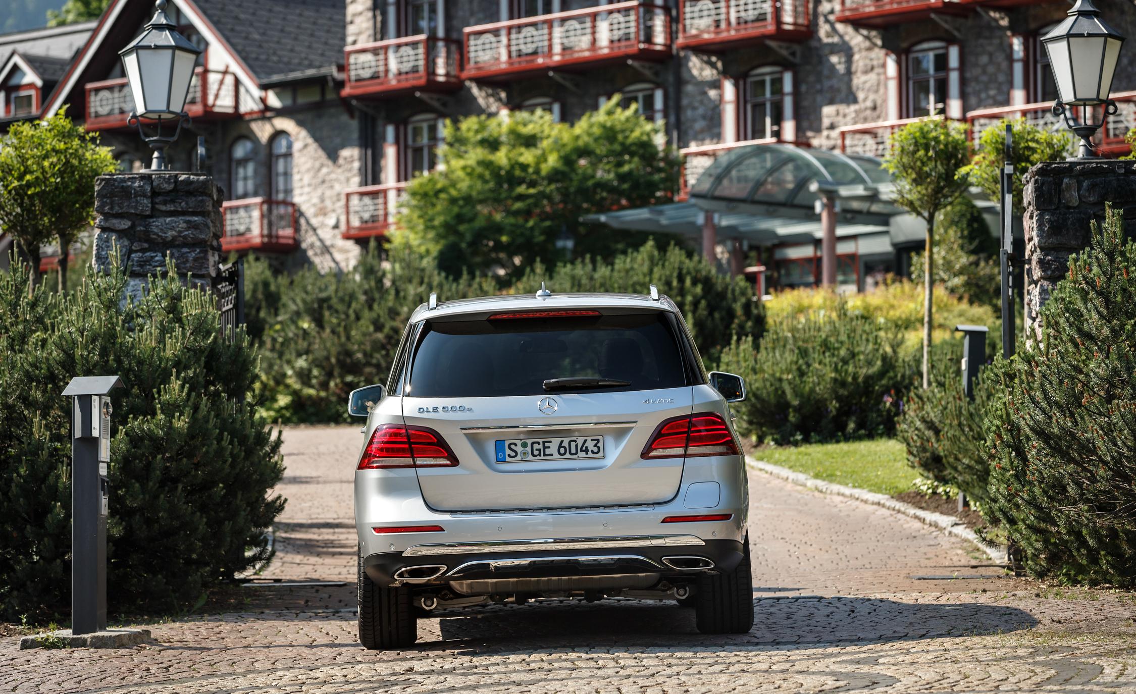 2016 Mercedes-Benz GLE500e 4MATIC Exterior Rear