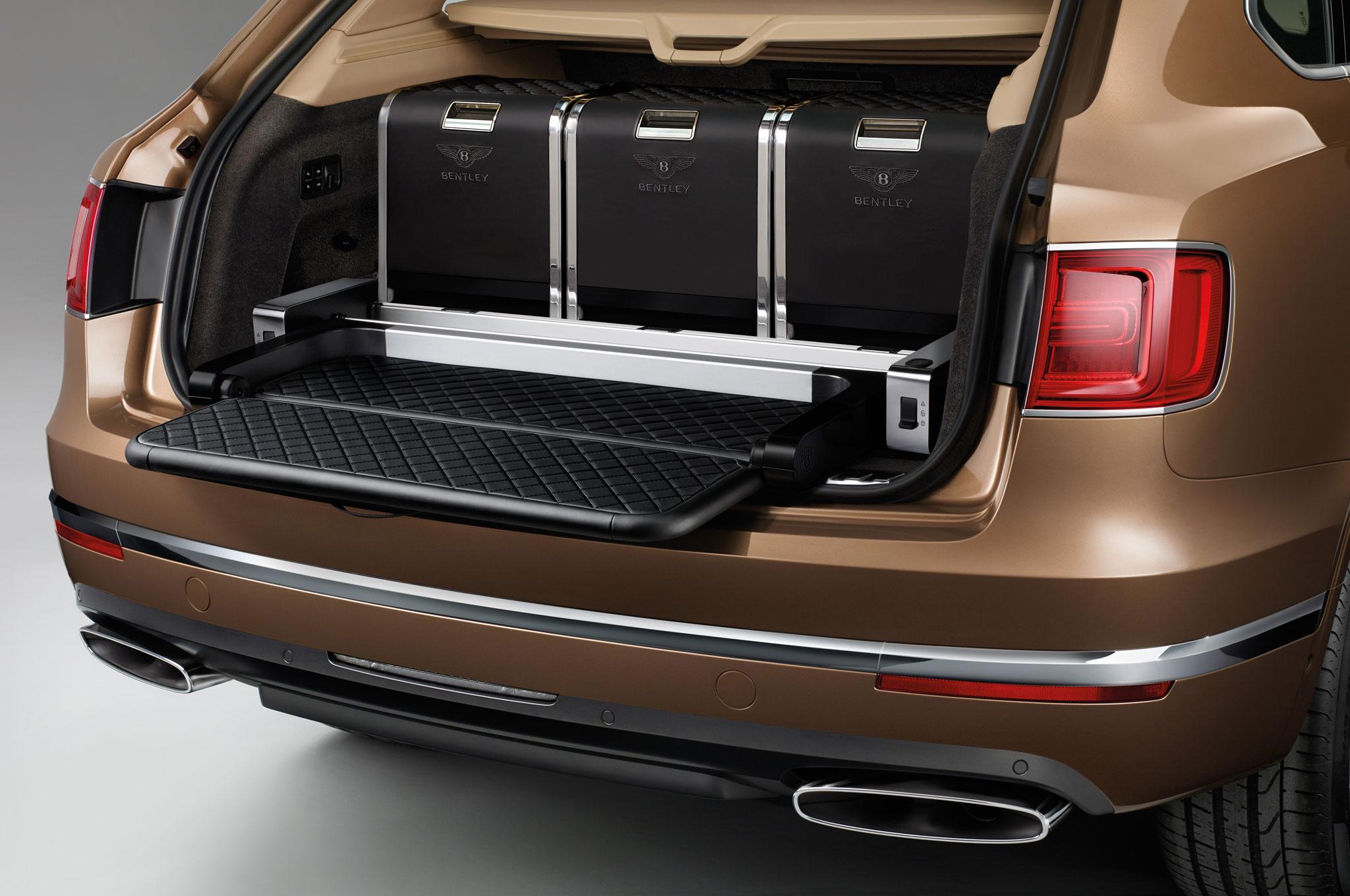 2017 Bentley Bentayga Trunk Space