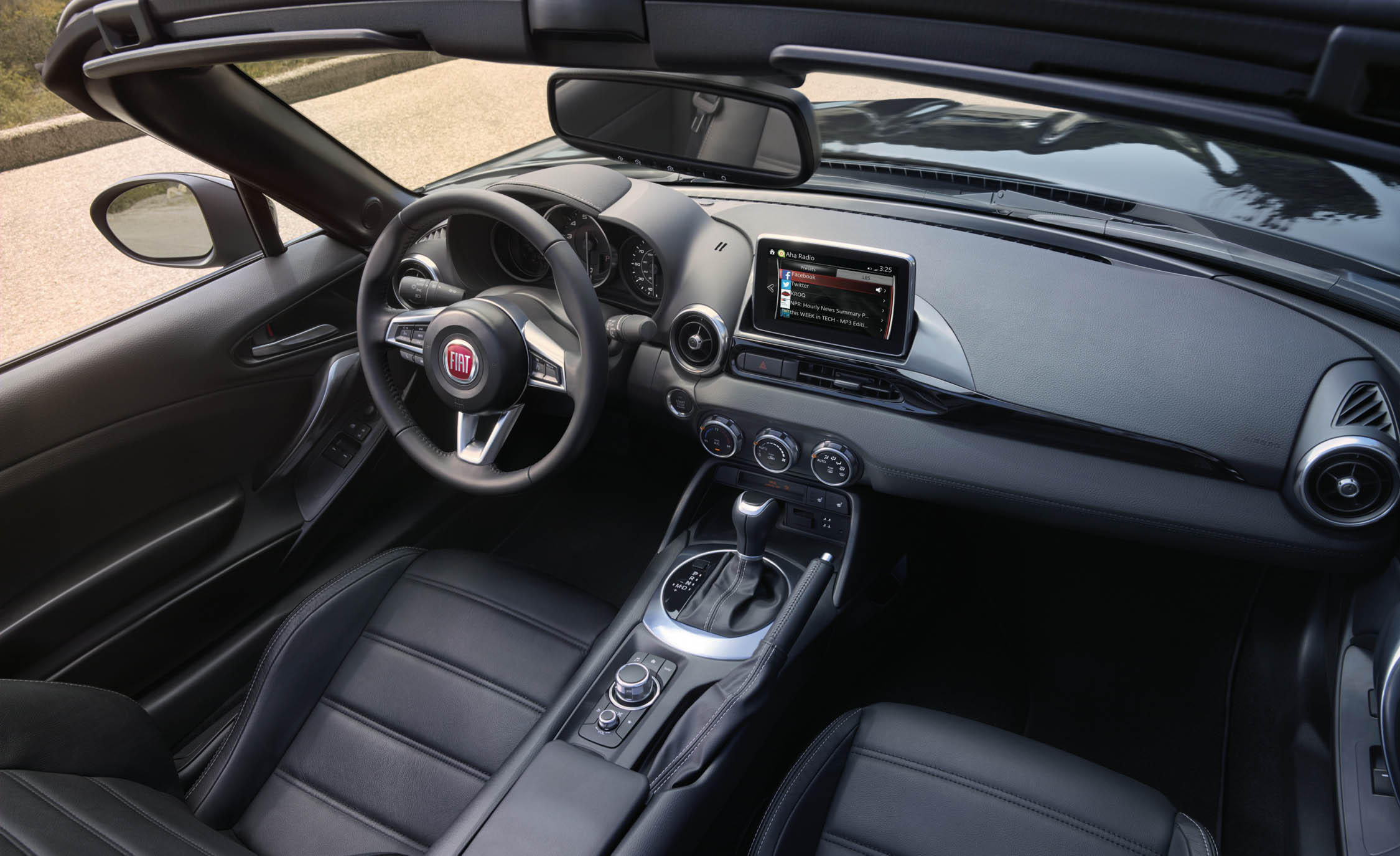 2017 Fiat 124 Spider Dashboard Interior