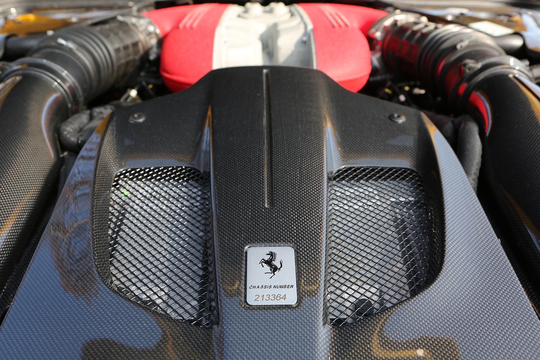 Ferrari F12tdf 2016 Engine