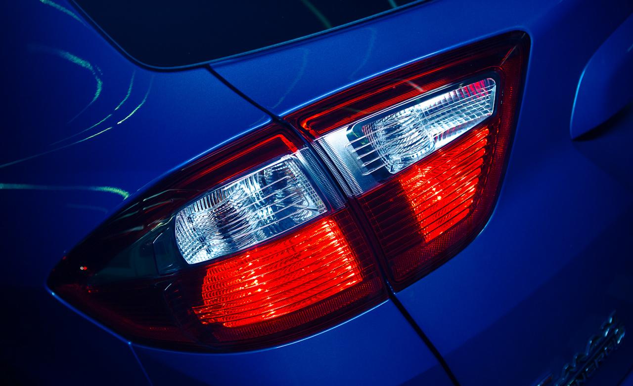 Ford C-Max Energi Exterior Taillight