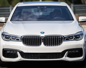 2016 BMW 750i xDrive White Exterior Front