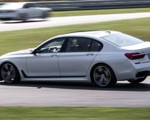 2016 BMW 750i xDrive White Test Side View