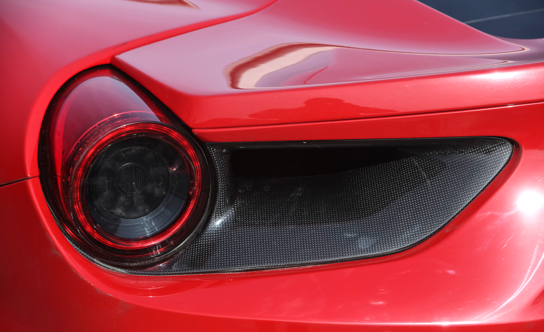 2016 Ferrari 488GTB Exterior Taillight