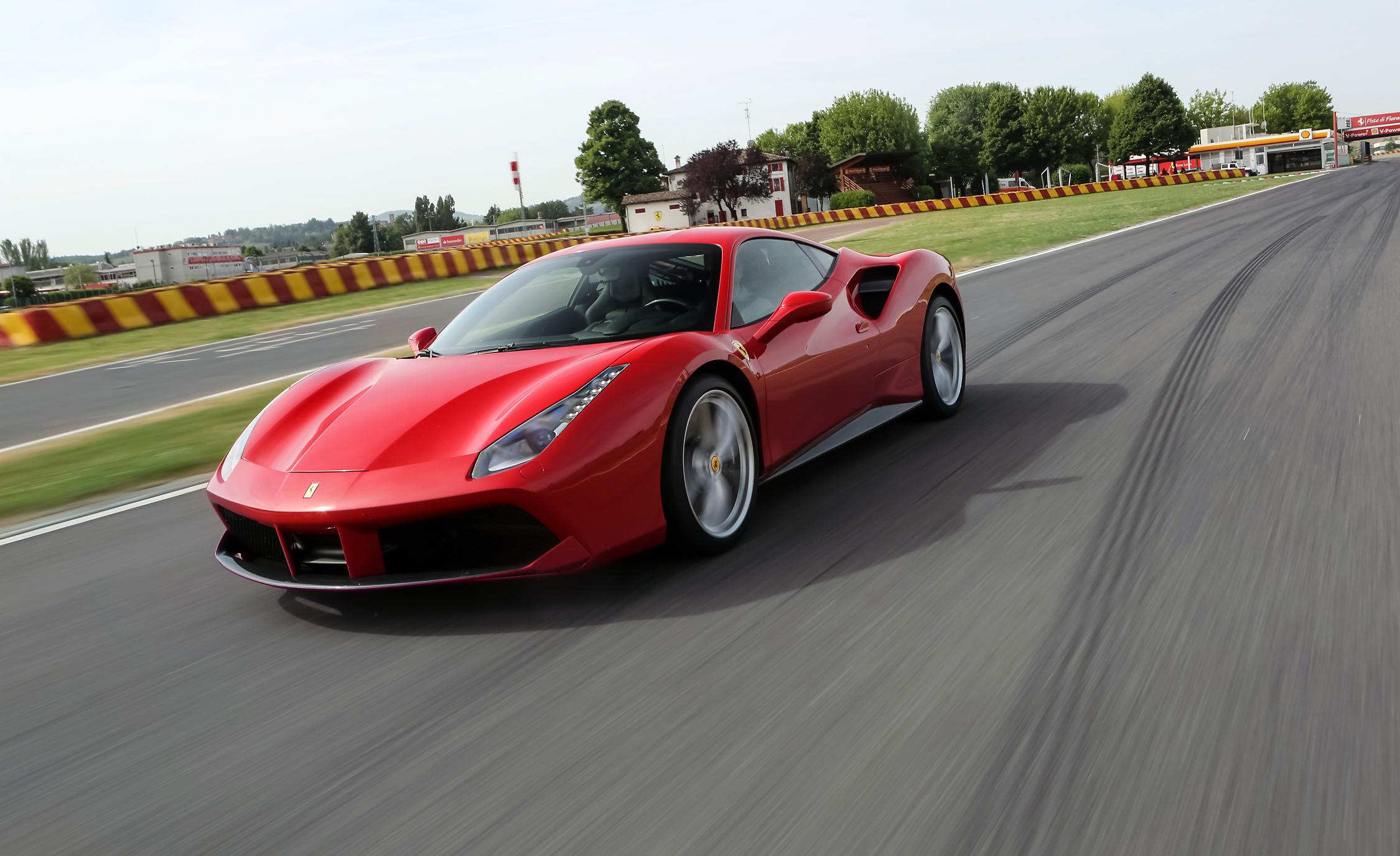 2016 Ferrari 488GTB Test Performance