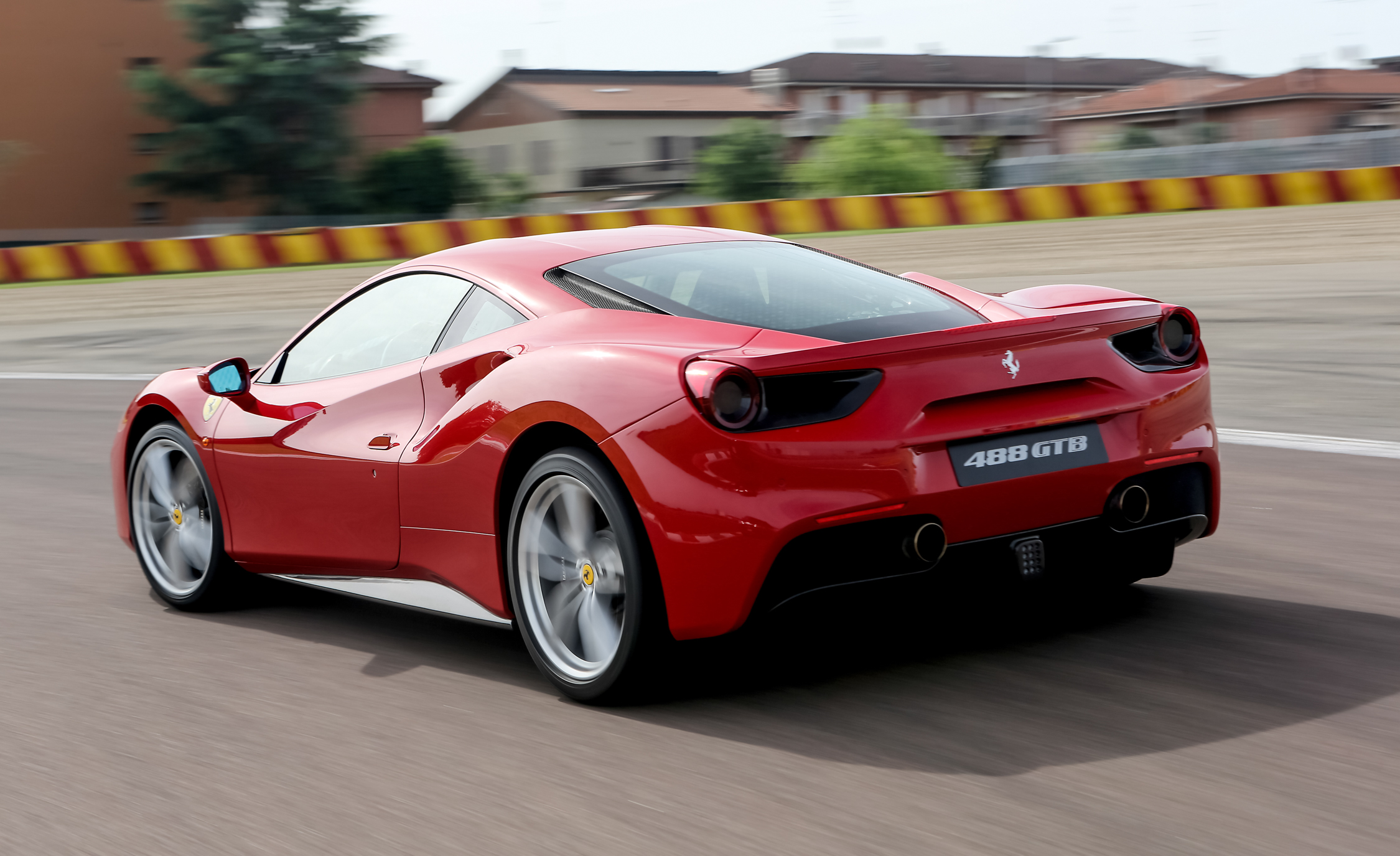 2016 Ferrari 488GTB Test Side and Rear View
