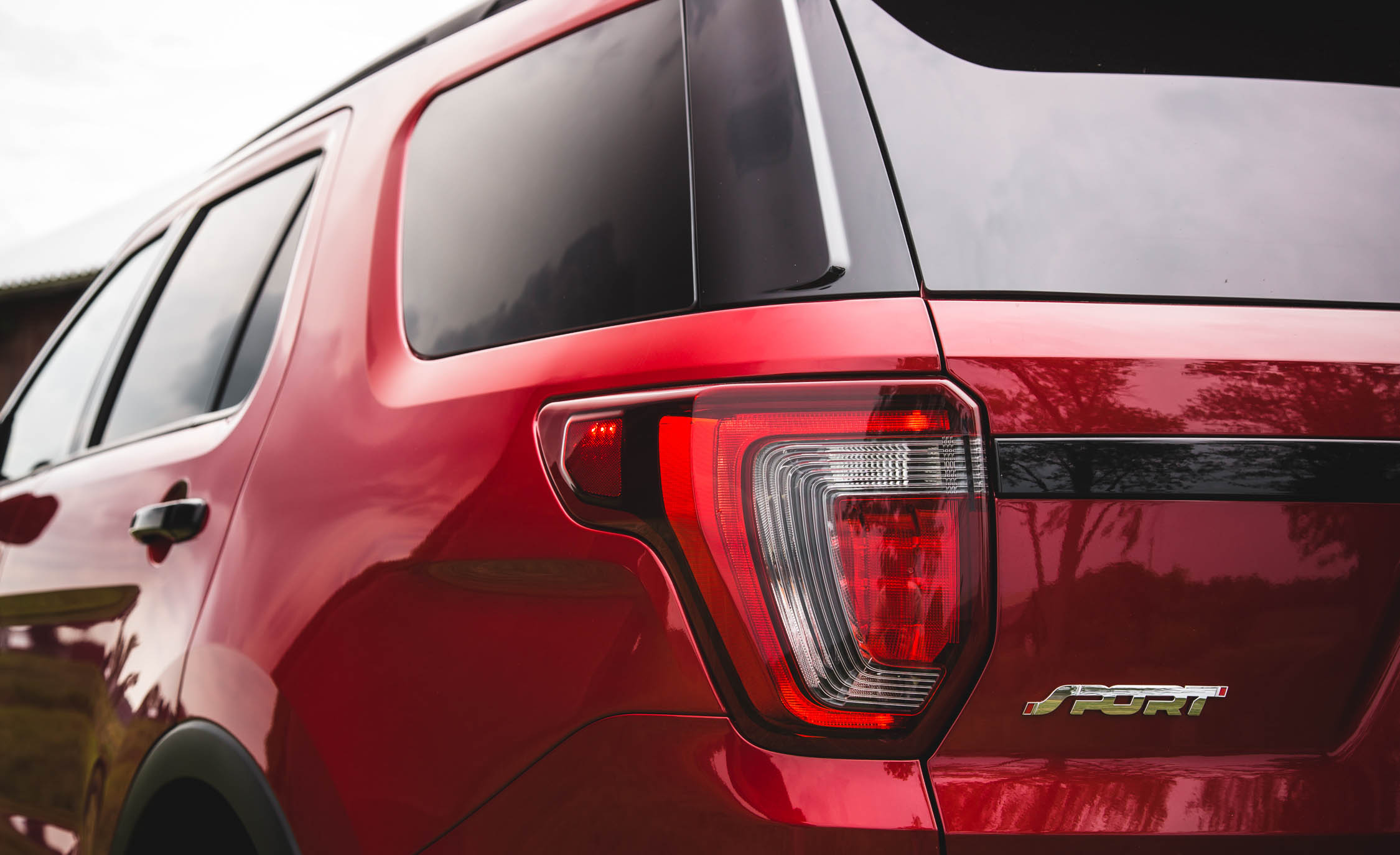 2016 Ford Explorer Sport Exterior Taillight Left