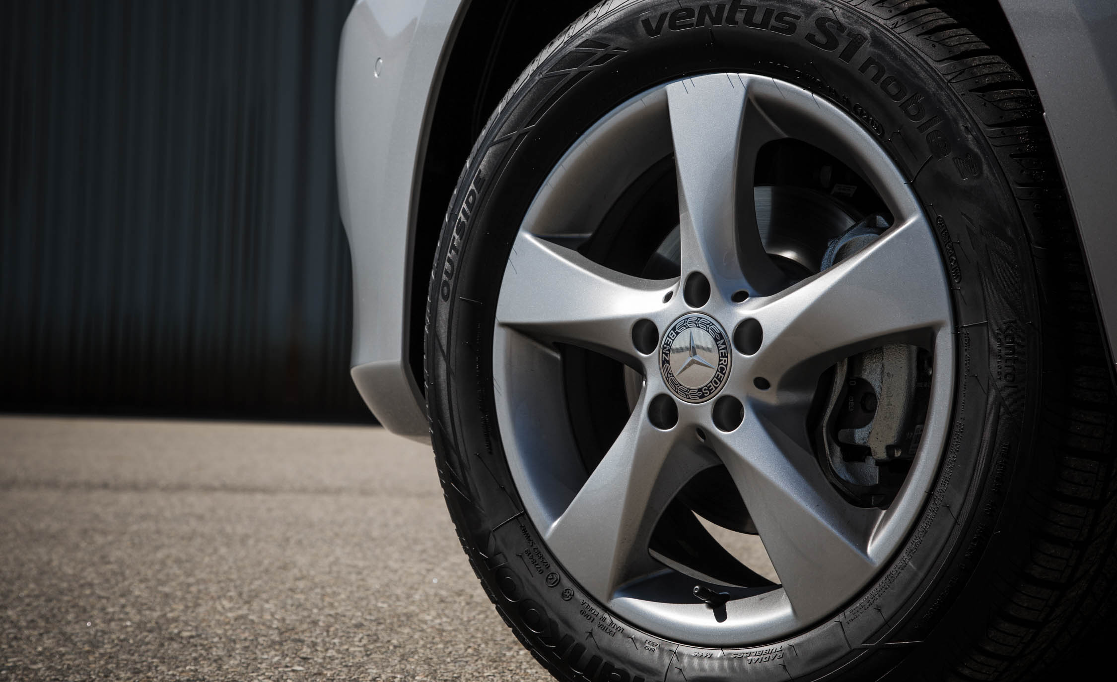 2016 Mercedes-Benz Metris Exterior Wheel