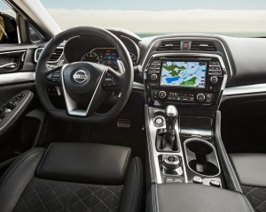 2016 Nissan Maxima SR Interior Cockpit and Dashboard
