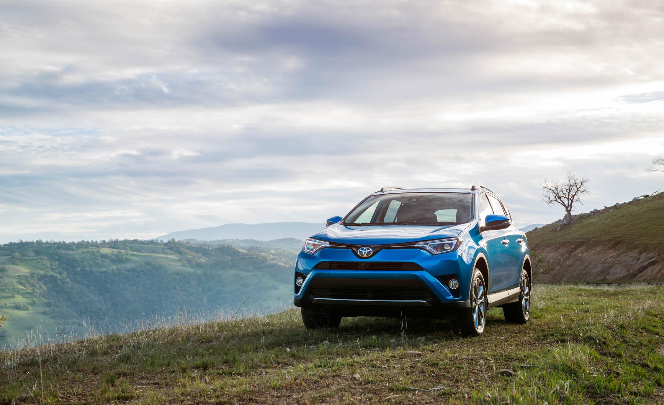 2016 Toyota RAV4 Hybrid Exterior Front