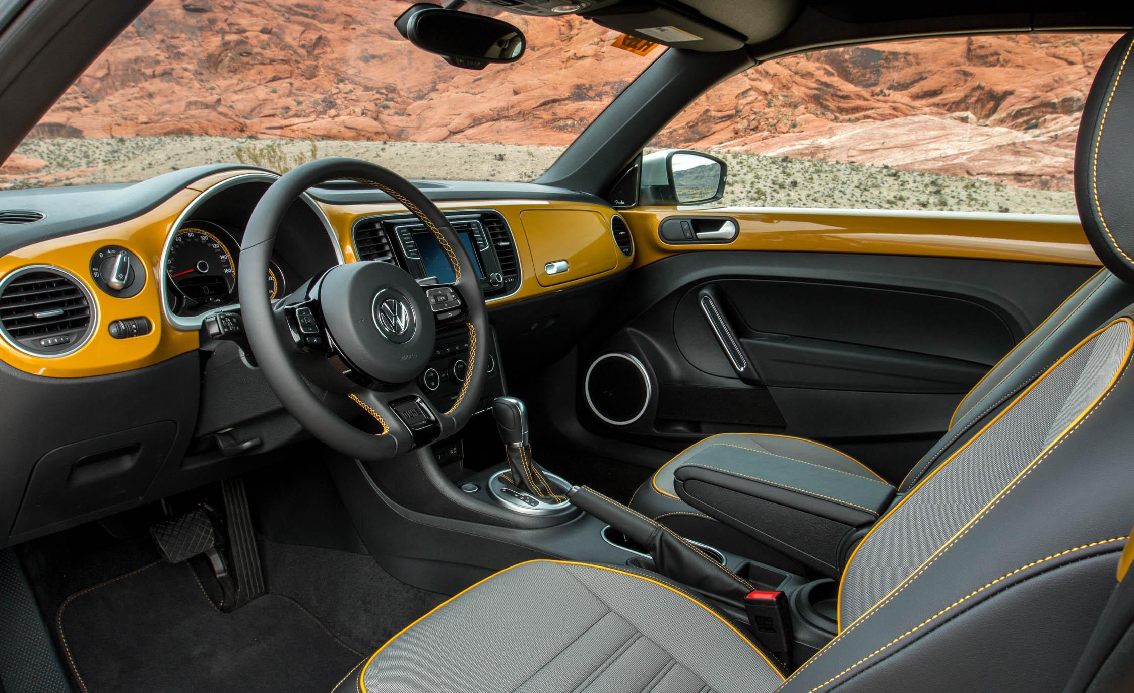 2016 Volkswagen Beetle Dune Interior