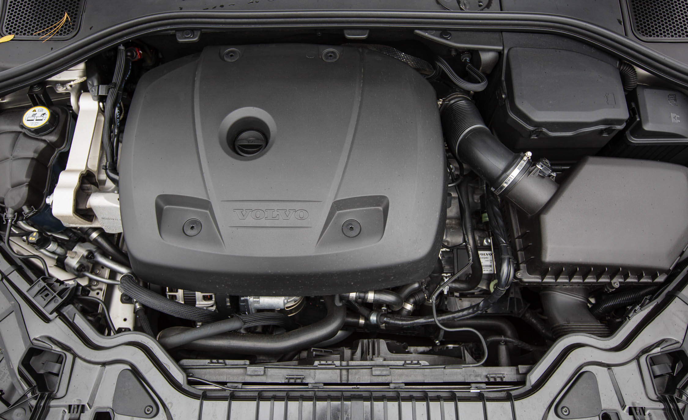 2016 Volvo S60 T5 Inscription 2.5-Liter Inline-5 Engine