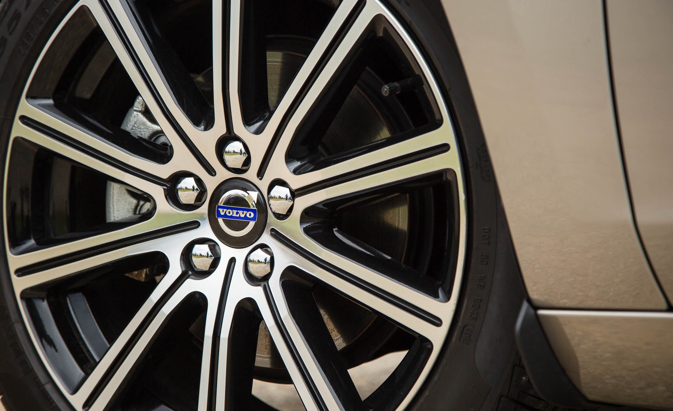2016 Volvo S60 T5 Inscription Exterior Wheel