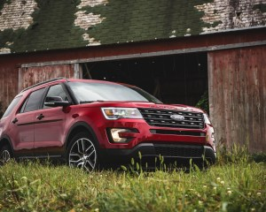 New 2016 Ford Explorer Sport