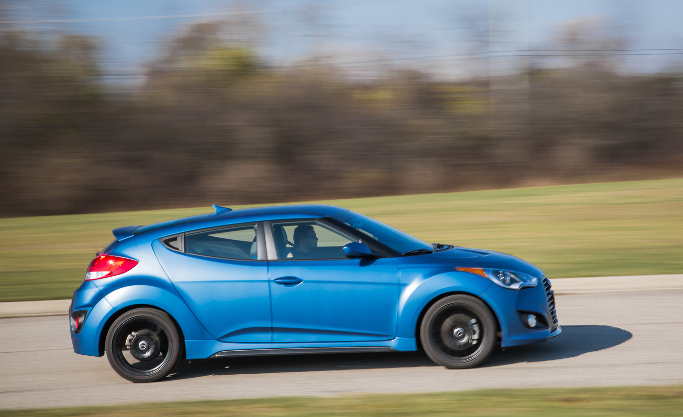 2016 Hyundai Veloster Turbo Rally Edition Test Drive Side View