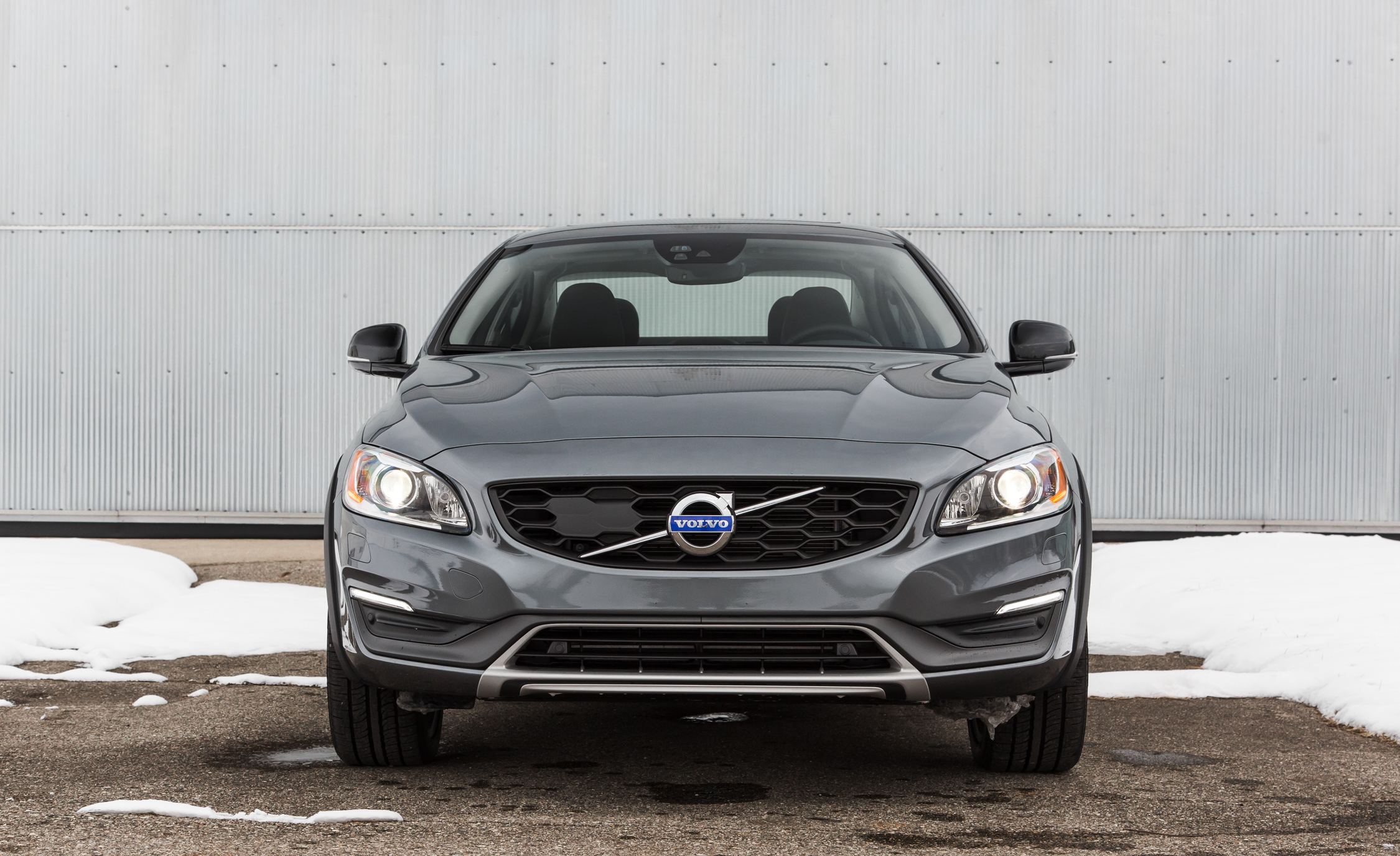 2016 Volvo S60 Cross Country Exterior Full Front