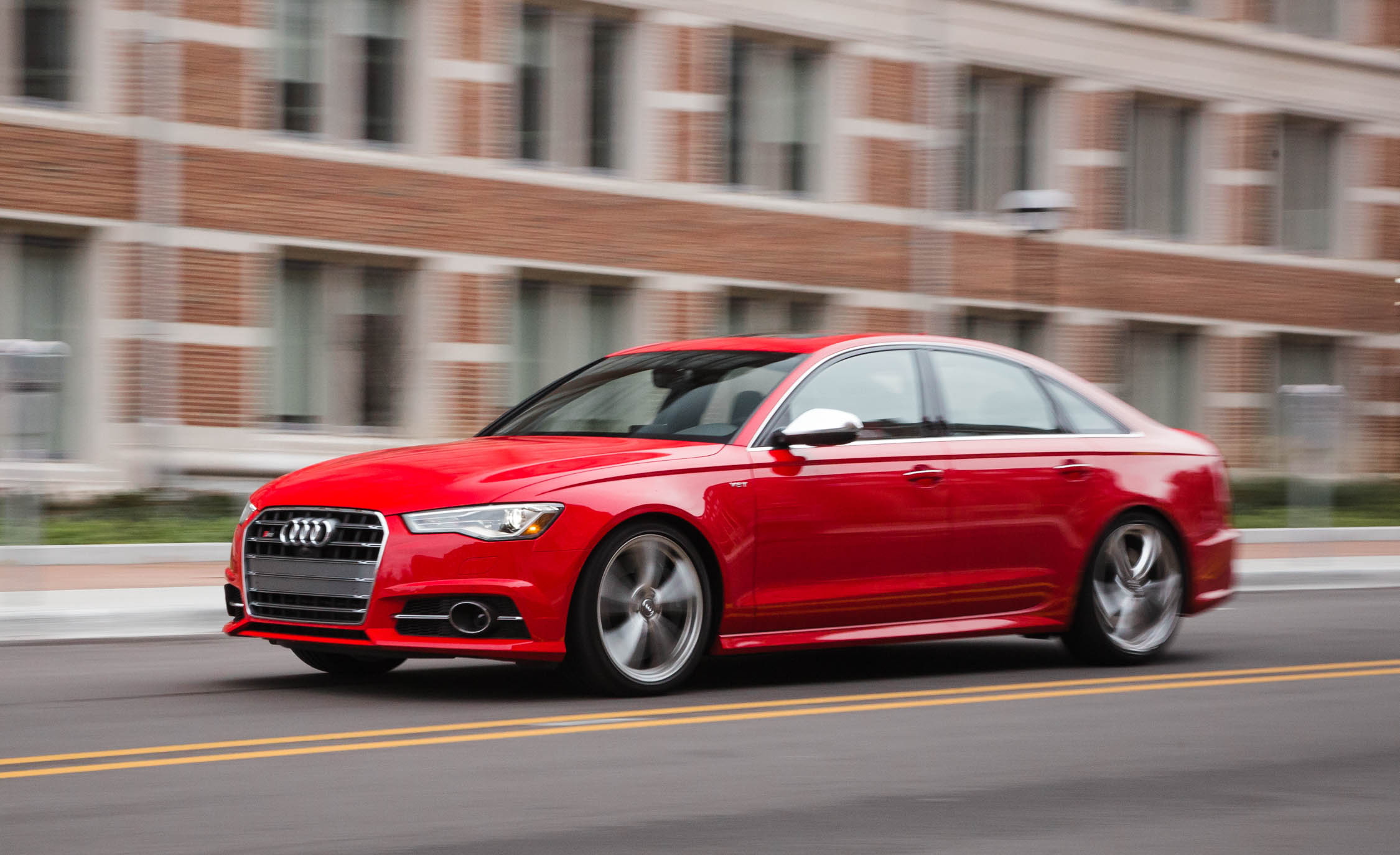 2016 Audi S6 Test Front Side View