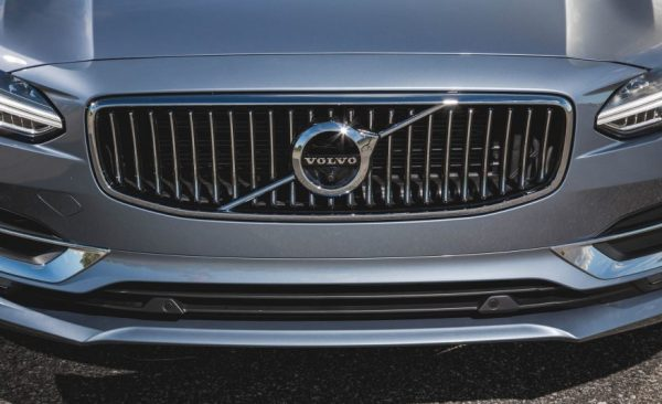 2017 Volvo S90 grille