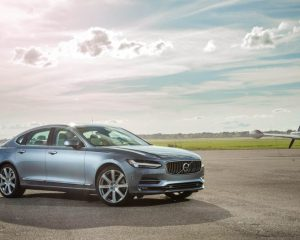 2017 Volvo s90 Side View