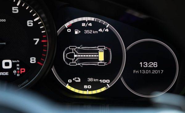 2018 Porsche Panamera 4 E Hybrid screen