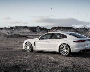 2018 Porsche Panamera 4 E Hybrid Side View