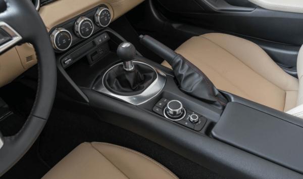 2017 Mazda MX-5 Miata handbrake interior revew