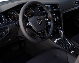 2017 Volkswagen e-Golf Interior Steering View