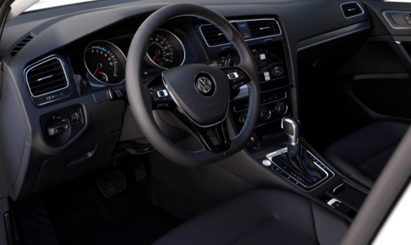 2017 Volkswagen e-Golf Interior steering review