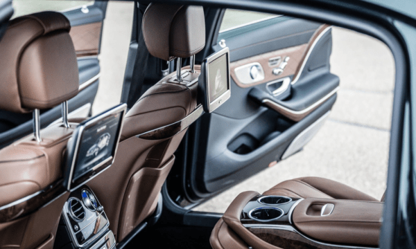 2017 Mercedes-Maybach rear seats review