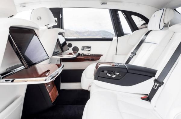 2018 Rolls Royce Phantom VIII seats review