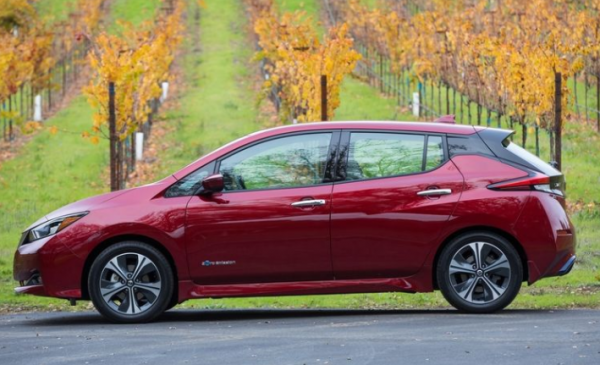 2018 Nissan Leaf side review
