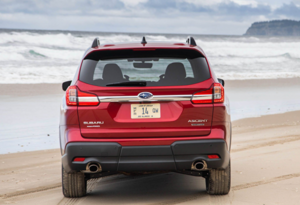 2019 Subaru Ascent exterior back review
