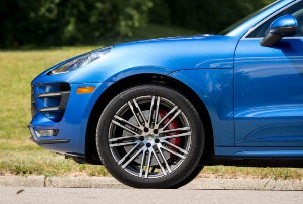 2018 Porsche Macan Turbo wheel exterior review