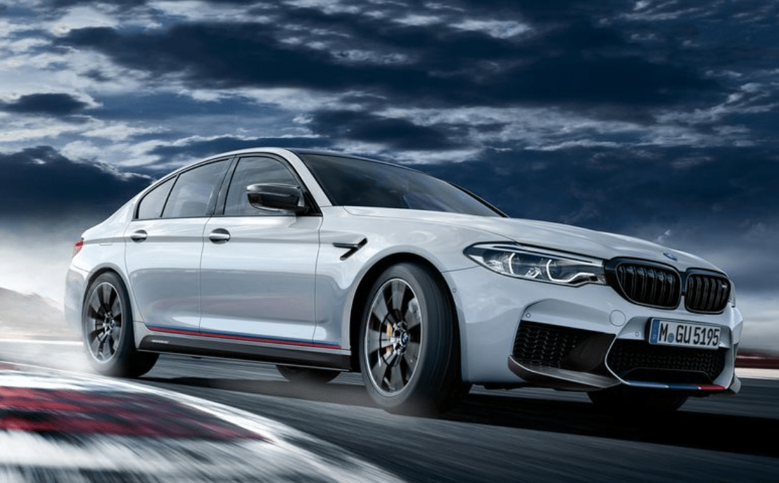 2019 BMW M5 Front Side View