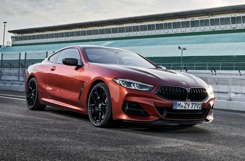 2019 BMW 850i Front View