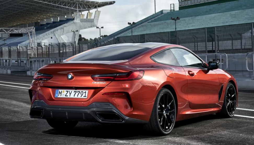 2019 BMW 850i Rear Side View